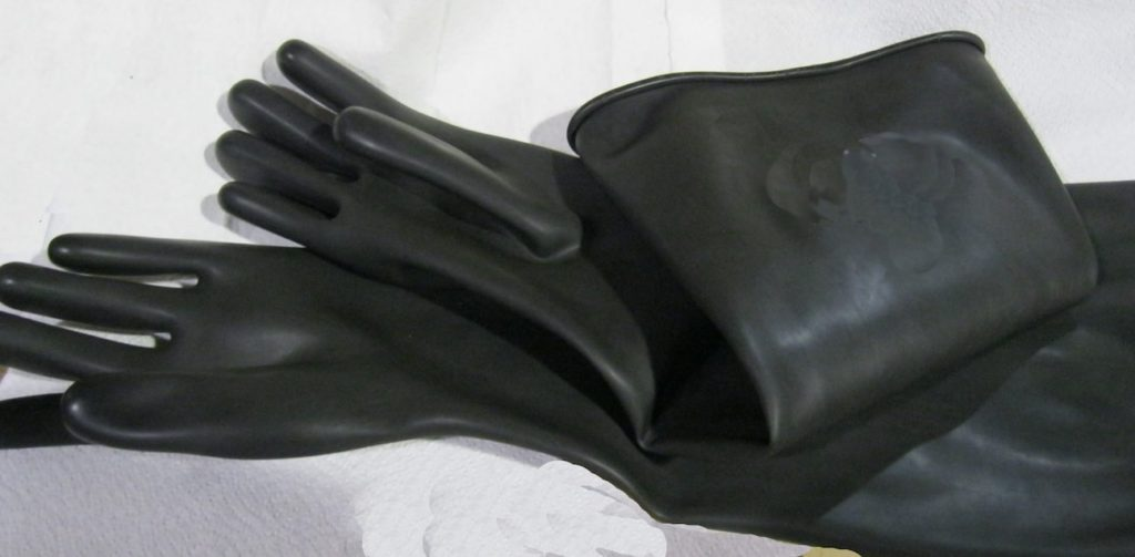 24-inch-sanblast-cabinet-gloves-unlined-cyclone