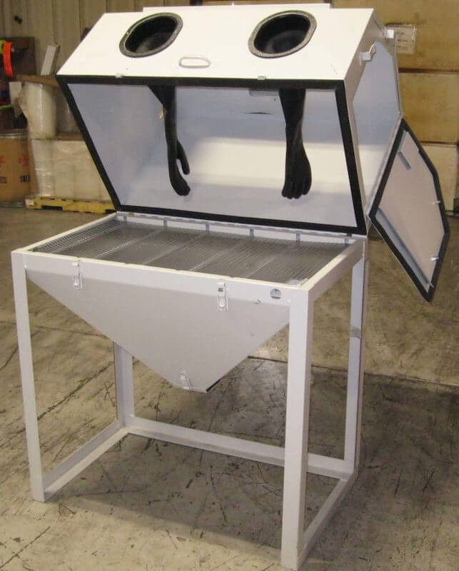 like-new-cyclone-model-3824-abrasive-sandblasting-cabinet-1