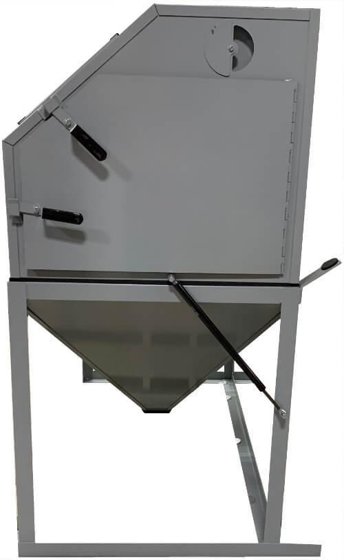 sandblaster-for-sale-5522-cyclone-usa-door